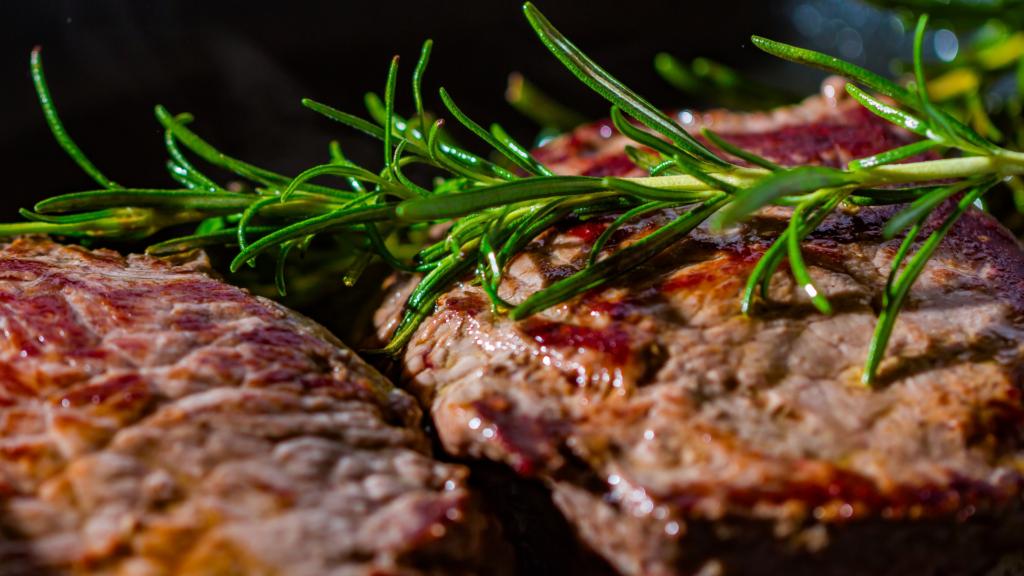 お肉のサブスクで、おうちでご褒美ディナーを叶えよう♪
