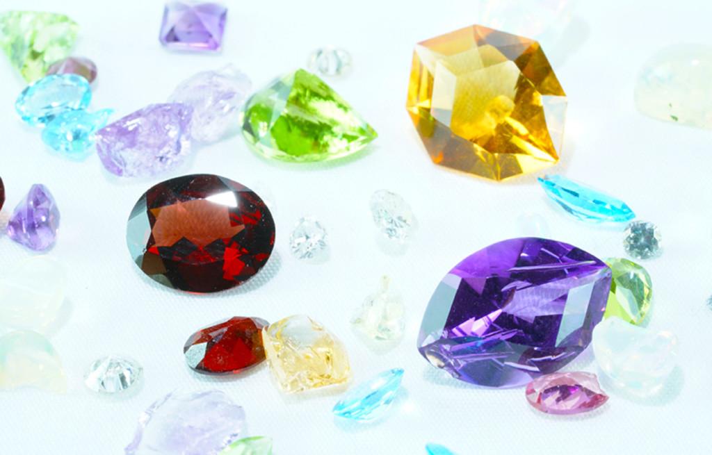 ⑤DIYアクセサリーを楽しむ、宝石のサブスクリプションなら「デザインアトリエカケラ」