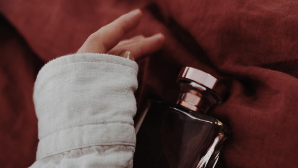 芸能人も使ってる♡レイヤードフレグランスのボディースプレーで、香りのオシャレを楽しもう!